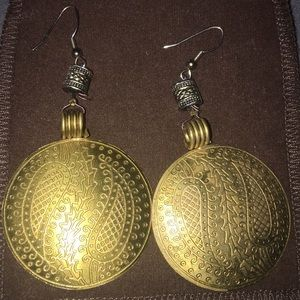 Jewelry - Gold toned bohemian styled
